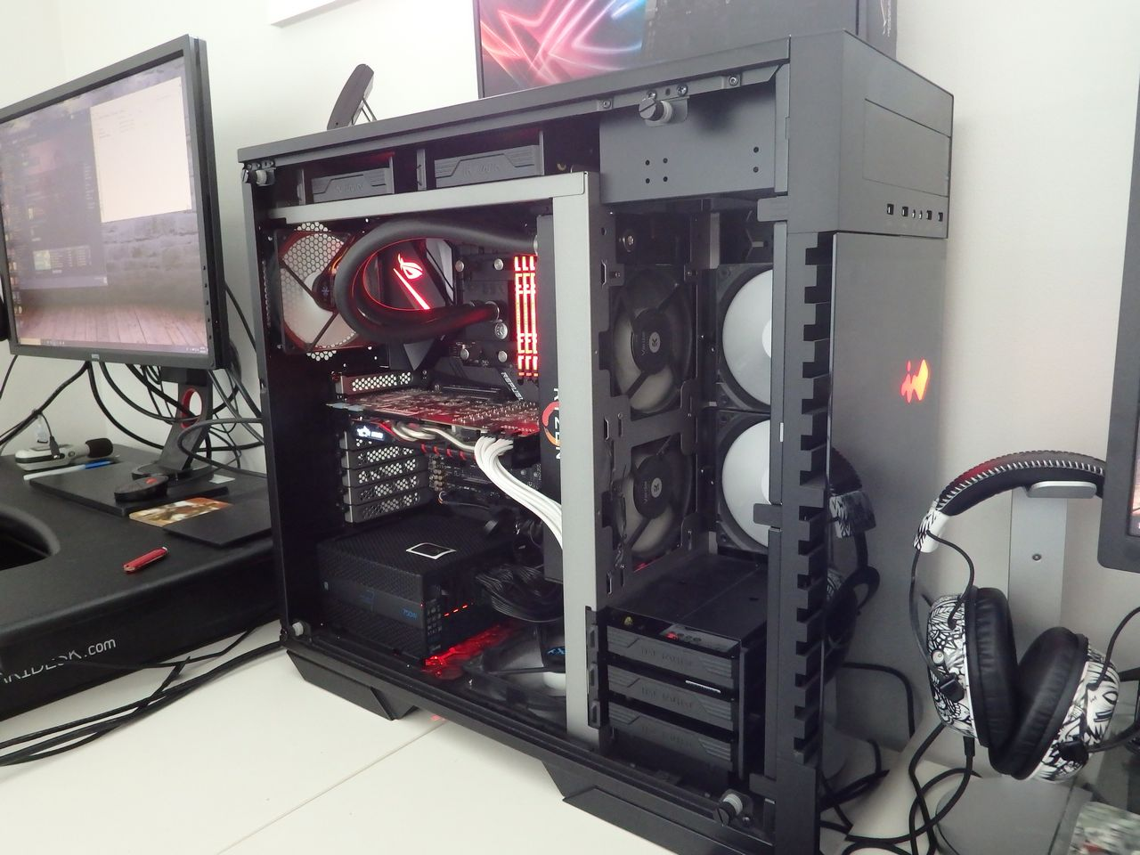 ASUS_STRIX-X470-F-Gaming-hyperX01